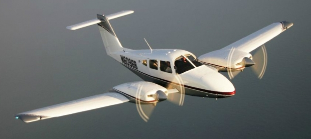 gallery-piper-seminole-pa-44-180-multi-engine-trainer-exterior-2-inflight-cutter-piper-sales-texas-piper-sales.jpg