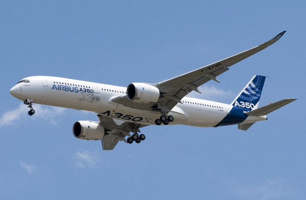 800px-A350_First_Flight_-_Low_pass_02.jpg