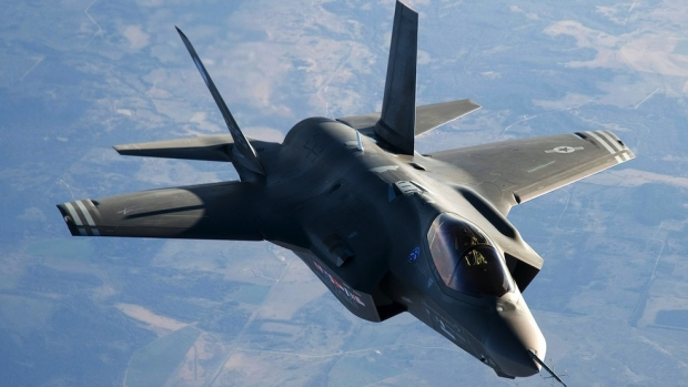 cover-f-35_in_the_clouds_1920x10802.jpg