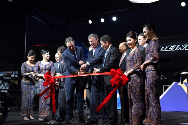 Boeing and Singapore Airlines Ribbon Cutting 787-10.jpg