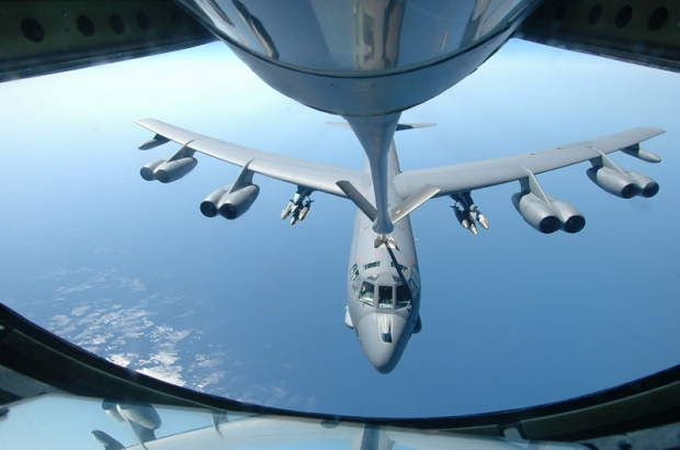 AIR_B-52H_Refueling_by_KC-135_lg.jpg