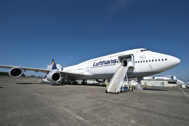 boeing,b747-800 intercontinental,lufthansa