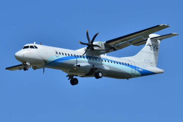 ATR_72-600_ATR_house_colors_F-WWEY_-_MSN_98_(9739890333).jpg