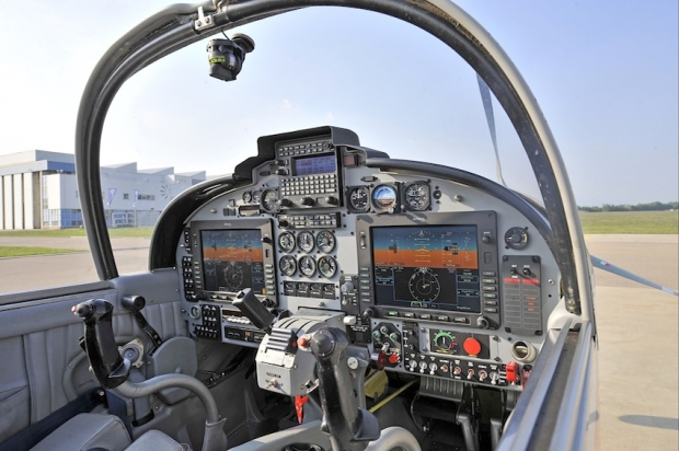 SF-260TP new glass cockpit_8750.jpg
