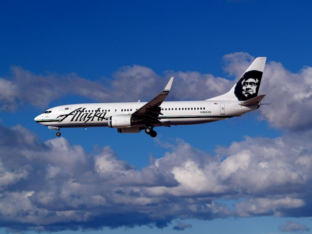 800px-Alaska_Airlines_Boeing_737-890_N562AS.jpg