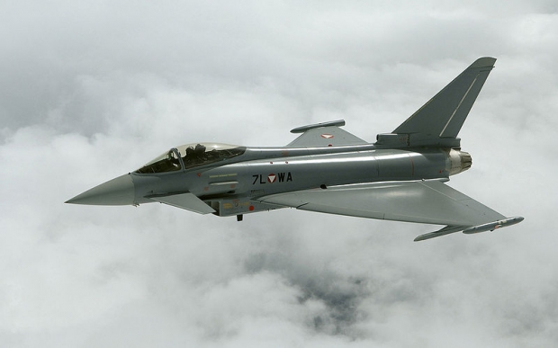 800px-Eurofighter_Typhoon_AUT.jpg