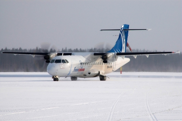 ATR 72-500 Finncomm Airlines taxiing.jpg