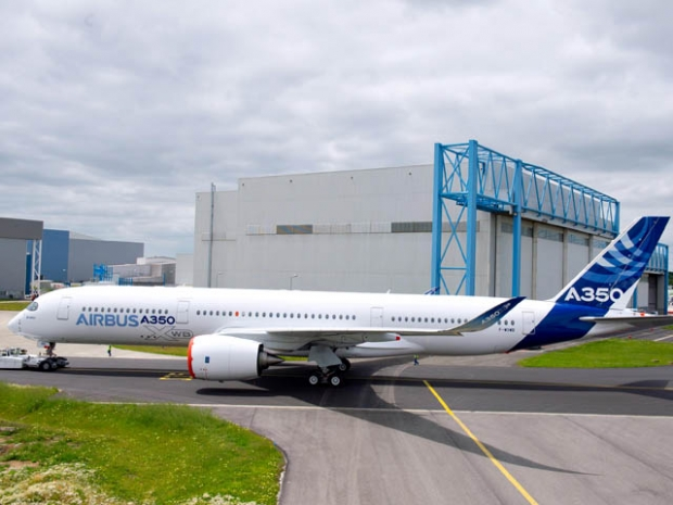 air-journal_Airbus-A350_XWB_out_of_paint_shop_4.jpg