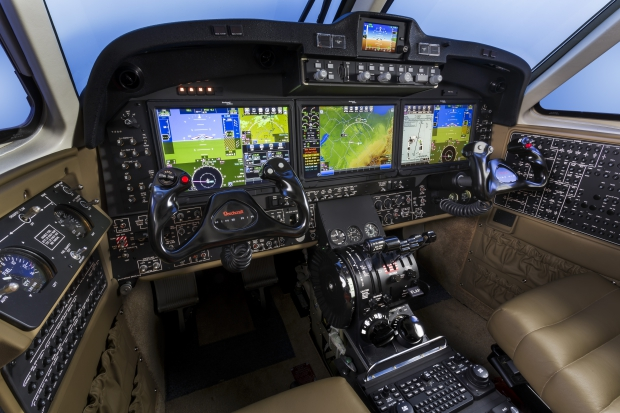 Beechcraft_King_Air_350i_Fusion_Cockpit.jpg