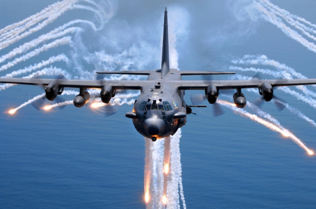 AC-130H_Spectre_jettisons_flares.jpg