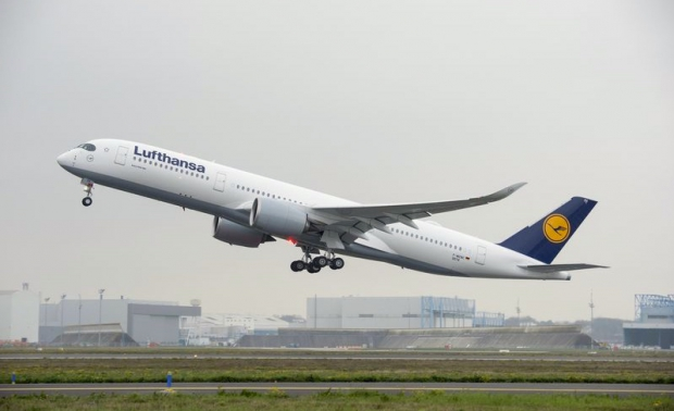 800x600_1480426684_A350_XWB_Lufthansa_first_flight_-_take_off.jpg