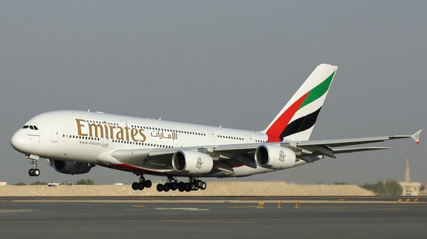 blackywall.com-emirates-plane-wallpaper.jpg