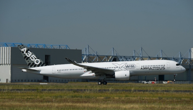 A350_XWB_MSN005_take_off_1.jpg