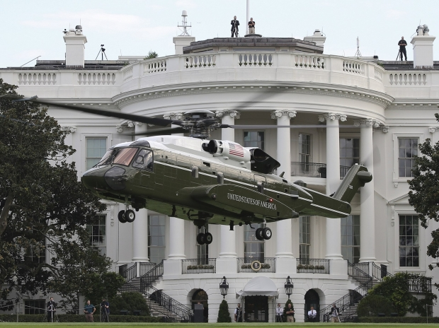 1920px-Sikorsky_VH-92_lands_in_front_of_the_White_House_during_tests,_22_September_2018_(180922-M-ZY870-531).jpg