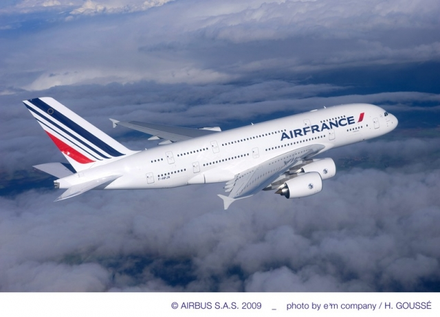 media_object_image_lowres_A380_AirFrance_in_flight_Oct09_lr.jpg