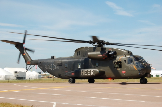 CH-53_Stallion_(German_Army)_at_RIAT_2010_arp.jpg
