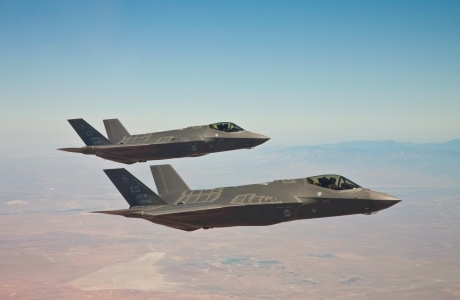 f35_formation_flight.jpg