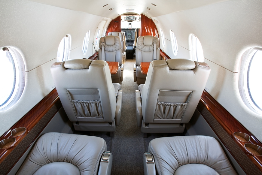 Hawker-400XP-N471XP-Interior-Forward.jpg