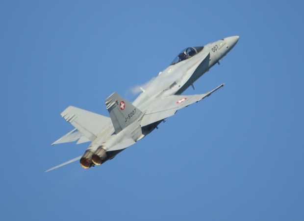 swiss hornet solo display,solo display,boeing fa-18 c hornet,swuss air froce,meetings aériens,présentations aériennes,blog défense,infos aviation