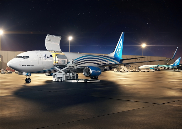 737BCF_CargoLoadingNight_Medium.jpg