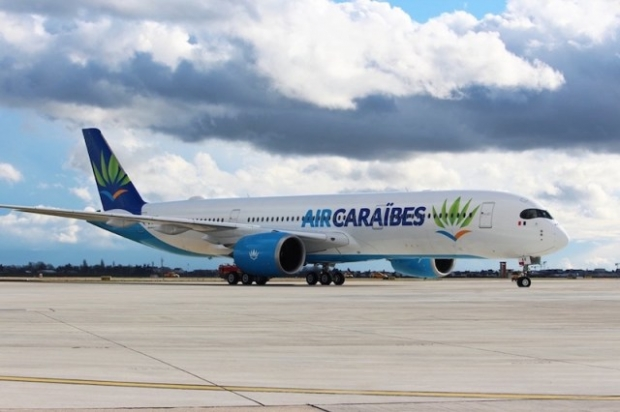 Airbus_A350-900_Air_Caraibes_3-copie.jpg