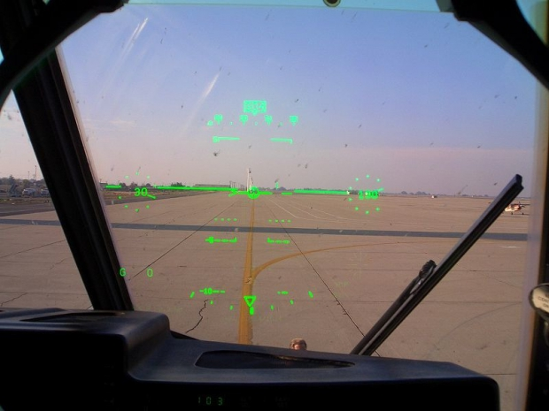 800px-C-130J_Co_Pilot's_Head-up_display.jpg