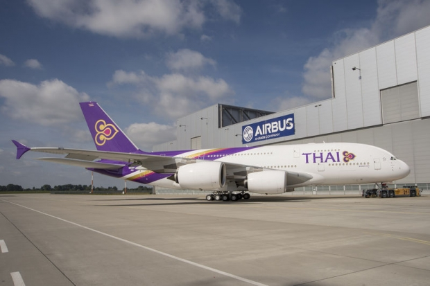 A380_Thai_roll_out_3[1].JPG