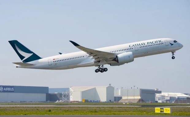 A350_XWB_Cathay_Pacific_TAKE_OFF.jpg
