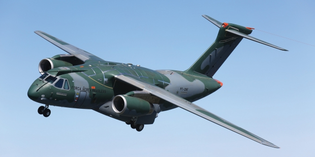 735-embraerkc-390_air-to-air.jpg