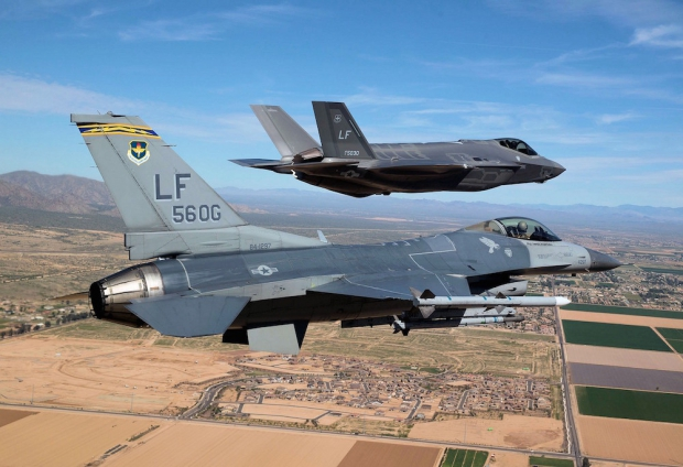 comparaison-performances-f-35-f16.jpg