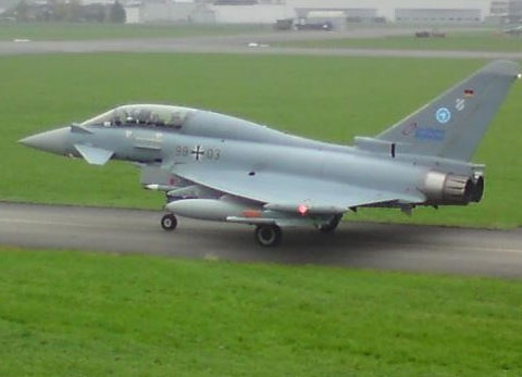 eurofighter_in_emmen_gelandet[1].jpg