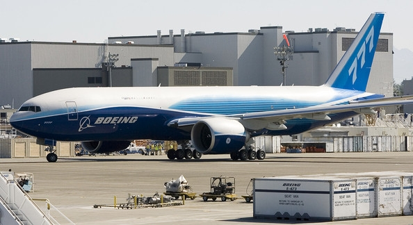Boeing+777+Freighter+Takes+First+Flight+QIZA2z0jL68l[1].jpg