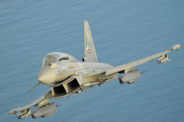 eurofighter-typhoon-storm-shadow-initial-flight-trials-2-foto-l-caliaro.jpg