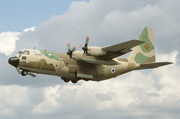 Lockheed_C-130H_Hercules_(L-382)_(Karnaf),_Israel_-_Air_Force_AN1324616.jpg