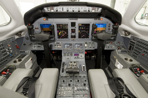 Cessna-Citation-XLS-Flight-Deck.jpg