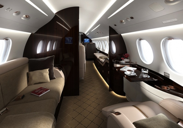 Falcon avia news for Interieur falcon 2000