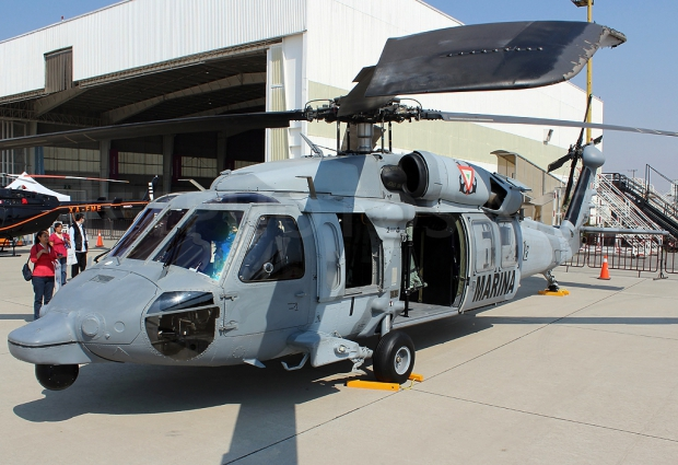 Sikorsky_UH-60M_Black_Hawk,_Mexico_-_Navy_JP7602302.jpg