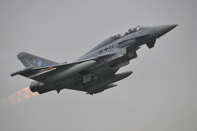 abflug_eurofighter.parsys.6708.1.photo.Photogallery.gif.jpeg
