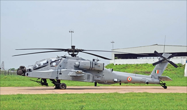 One-of-the-Apache-helicopters-handed-over-to-the-IAF-by-Boeing..jpg