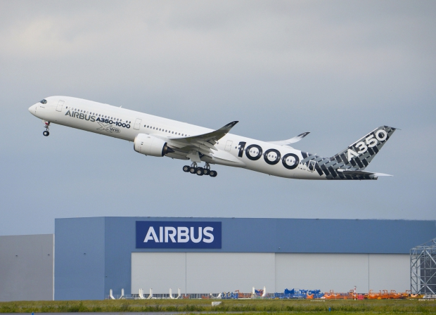A350-1000_completes_successfully_Early_Long_Flight.jpg
