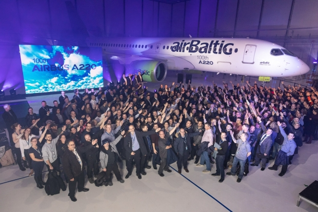 A220-AirBaltic-group.jpg