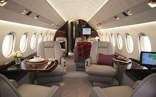 Entr e en service du nouveau falcon 2000 lx avia news for Interieur falcon 2000