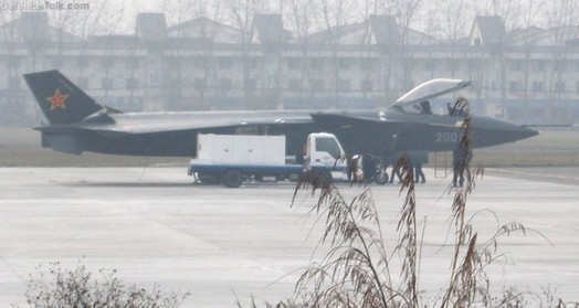 china-J-20-stealth-fighter-aircraft-13.jpg