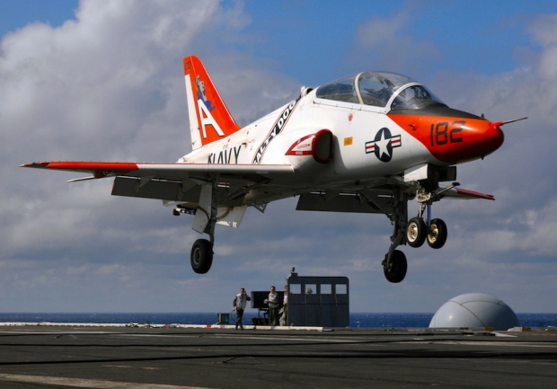 US_Navy_090317-N-2984R-012_A_T-45_Goshawk_training_aircraft_attempts_a_touch_and_go_aboard_USS_Harry_S._Truman_(CVN_75).jpg