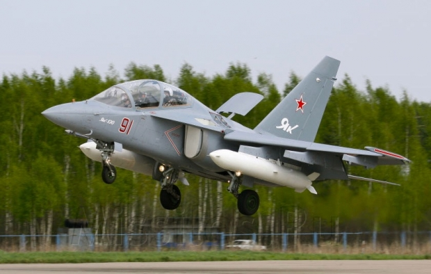 Yak-130_flight_3.JPG