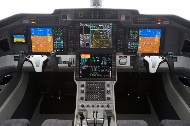 pc-24-super-versatile-jet-cockpit.jpg