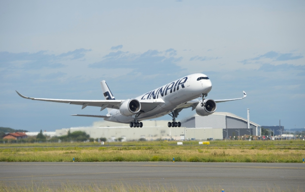 A350_XWB_FINNAIR_FIRST_FLIGHT_01.jpg