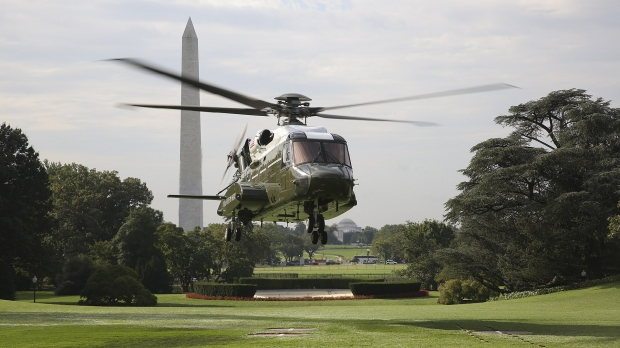1920px-Sikorsky_VH-92_lands_at_the_White_House_during_tests_on_22_September_2018_(180922-M-ZY870-434).jpg