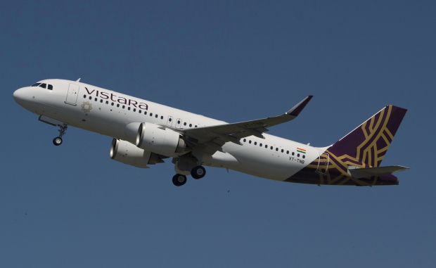 A320neo_VISTARA_take_off.jpg