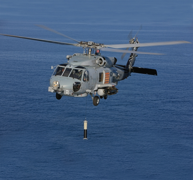 MH-60R_dippingsonar-full.jpg
